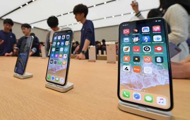 Apple bị tẩy chay bởi hàng trăm công ty Trung Quốc: Ai theo sẽ được tặng smartphone Huawei, ai dùng iPhone sẽ bị sa thải - Ảnh 2.