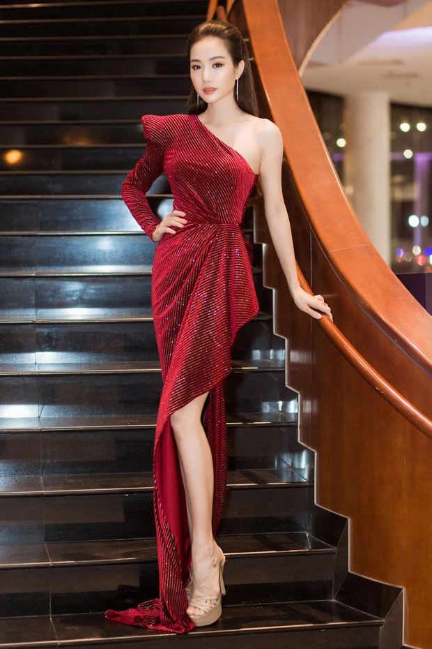 Màn đọ sắc cực gắt của dàn Hoa hậu đình đám nhất Vbiz trên thảm đỏ WeChoice: Sang chảnh và đỉnh cao là đây! - Ảnh 25.