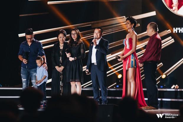 Nghệ sĩ Việt bày tỏ cảm xúc sau đêm Gala WeChoice Awards 2018: Vỡ oà xúc động, hạnh phúc vì những câu chuyện đầy ý nghĩa! - Ảnh 2.