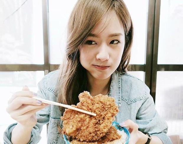 Sai lầm trong thói quen ăn uống khiến sức khỏe của bạn ngày càng xuống cấp trầm trọng - Ảnh 1.