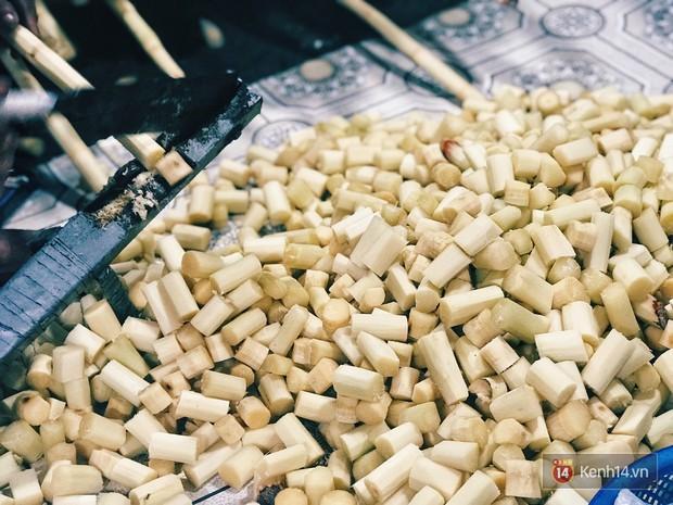 Khám phá hàng mía hấp lá dứa hiếm hoi còn sót lại, nơi lưu giữ hương vị bình dị của Sài Gòn xưa - Ảnh 5.