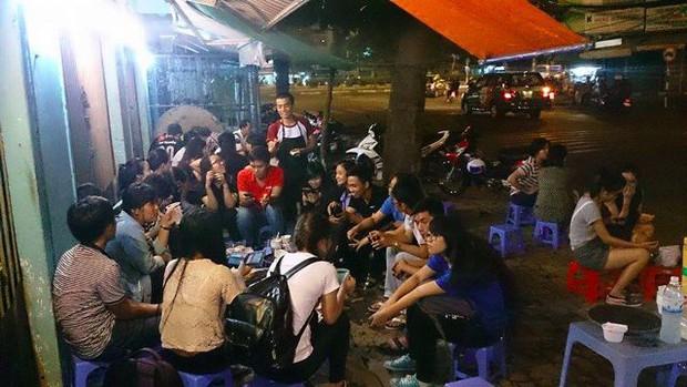 Sài Gòn có món bánh Tuk Tuk trông thì giống thứ mà ai cũng dè chừng nhưng lại được nhiều người yêu thích - Ảnh 6.