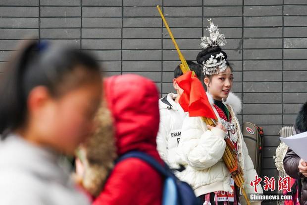 Cả một trời trai xinh gái đẹp xúng xính váy áo cổ trang dự thi vào trường nghệ thuật lớn hàng đầu ở Trung Quốc - Ảnh 5.
