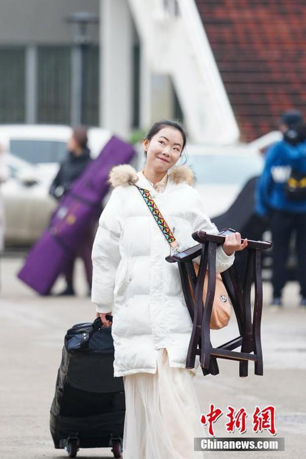 Cả một trời trai xinh gái đẹp xúng xính váy áo cổ trang dự thi vào trường nghệ thuật lớn hàng đầu ở Trung Quốc - Ảnh 6.