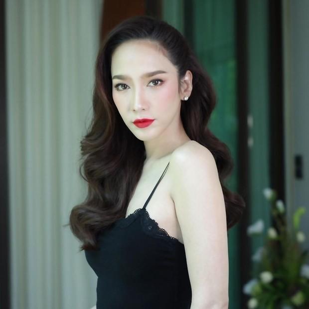 Top mỹ nhân đình đám Thái Lan sở hữu chiếc mũi cực phẩm, khiến chị em phụ nữ ghen tị và khao khát nhất - Ảnh 2.