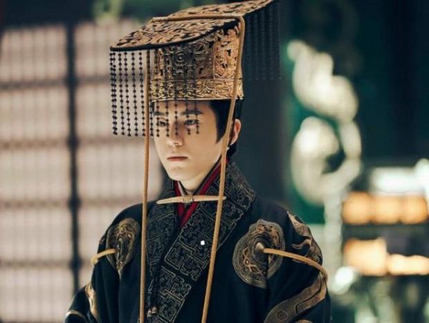 Tài sắc có đủ nhưng fan 4 diễn viên Hoa ngữ này đang kêu trời khi mãi mà thần tượng mình vẫn chờ thời - Ảnh 20.