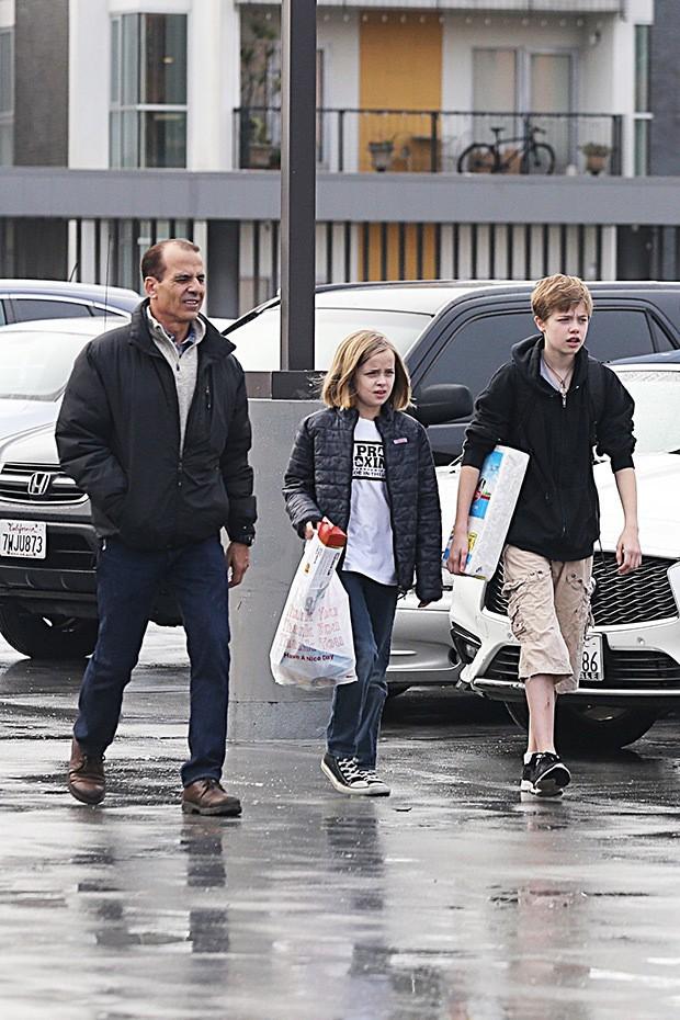 Chẳng buồn vì mất Angelina Jolie, Brad Pitt chỉ đau lòng khi nhìn thấy hình ảnh này của các con - Ảnh 1.