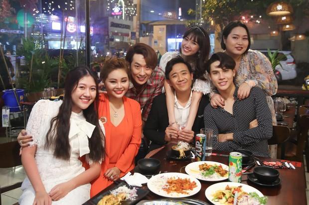 Vừa xuất hiện ở web drama của Hari Won, Trấn Thành đã bị gia đình vợ vùi dập tơi bời xác pháo - Ảnh 6.
