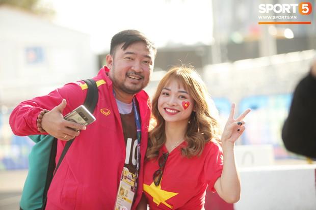 Dàn fangirl xinh đẹp tiếp lửa cho đội tuyển Việt Nam trước trận gặp Iraq - Ảnh 5.