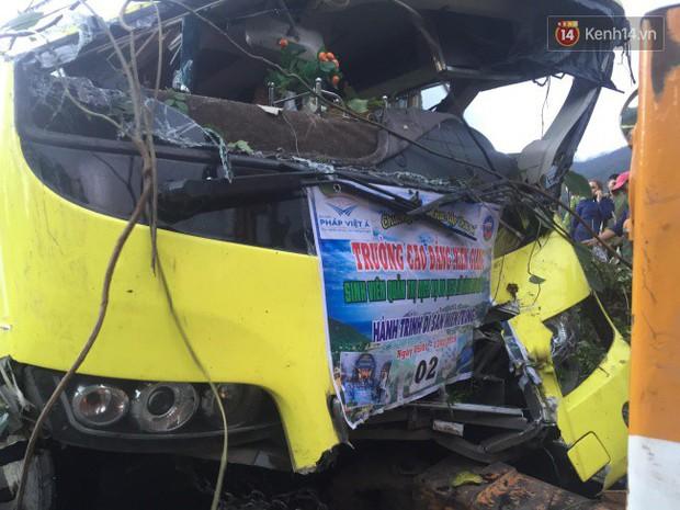 Vụ ô tô khách chở đoàn sinh viên lao xuống vực trên đèo Hải Vân: Tài xế khai do xe mất phanh - Ảnh 3.
