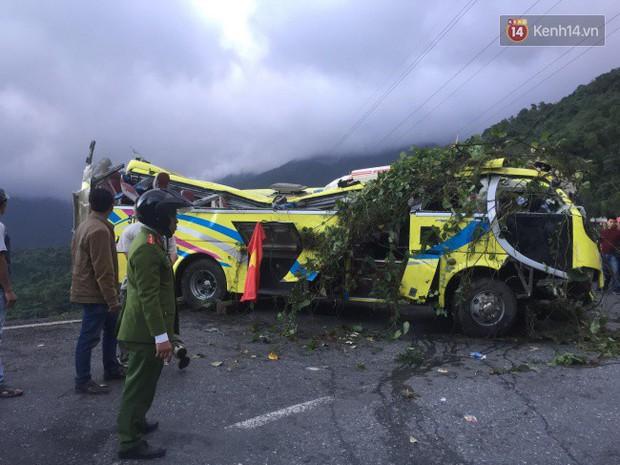 Vụ ô tô khách chở đoàn sinh viên lao xuống vực trên đèo Hải Vân: Tài xế khai do xe mất phanh - Ảnh 2.