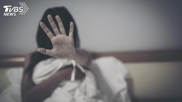 Cảnh sát Đài Loan bắt giữ 4 người đàn ông Việt Nam cưỡng bức tập thể 1 cô gái say rượu - Ảnh 1.
