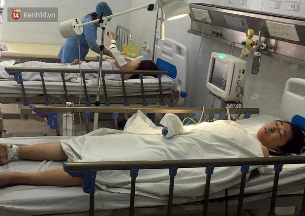 Vụ xe chở sinh viên rơi xuống vực đèo Hải Vân: Sức khỏe các nạn nhân đã ổn định nhưng một số em còn hoảng loạn tinh thần - Ảnh 2.
