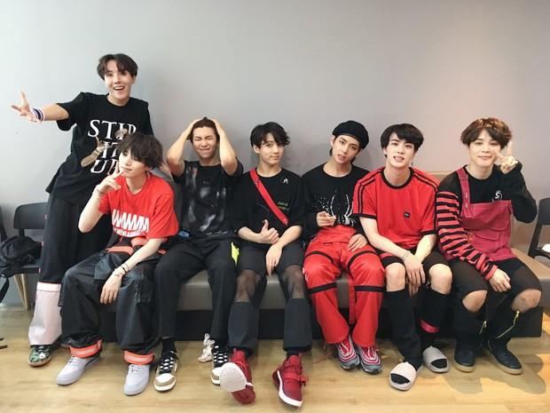 Cuộc chiến nhóm nhạc Kpop đầu tiên có MV cán mốc 600 triệu view giữa BLACKPINK và BTS đã khép lại, và kết quả là... - Ảnh 2.