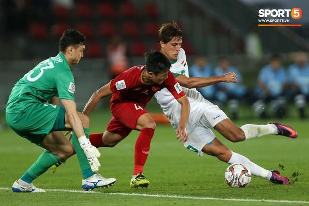 Báo châu Á chấm điểm Iraq 3-2 Việt Nam: Văn Lâm nhận điểm thấp nhất, Công Phượng sáng không ai bằng - Ảnh 4.