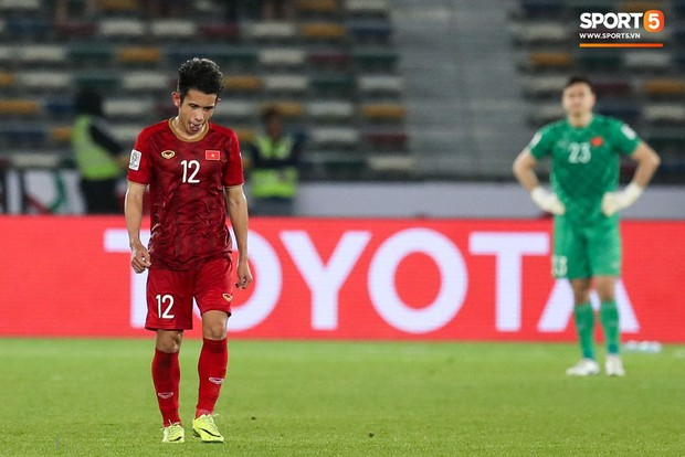 Báo châu Á chấm điểm Iraq 3-2 Việt Nam: Văn Lâm nhận điểm thấp nhất, Công Phượng sáng không ai bằng - Ảnh 6.