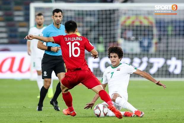 Báo châu Á chấm điểm Iraq 3-2 Việt Nam: Văn Lâm nhận điểm thấp nhất, Công Phượng sáng không ai bằng - Ảnh 8.