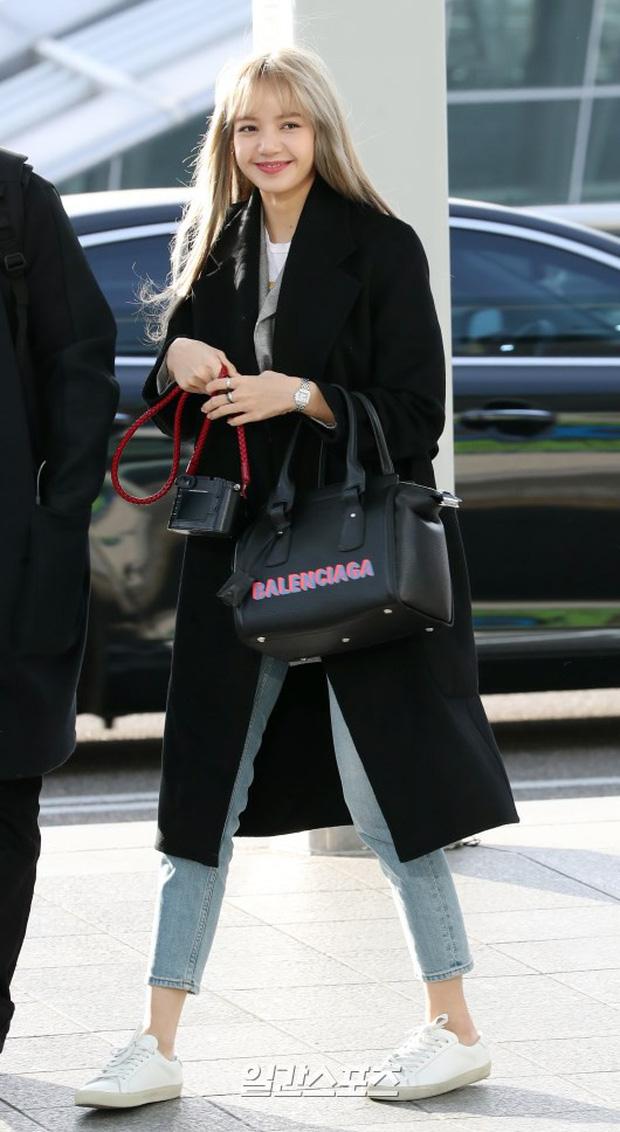 Dàn mỹ nhân đọ sắc thần thánh tại sân bay: Lisa xuất thần, Black Pink đẹp như đóng MV bên TWICE và chân dài đình đám - Ảnh 3.