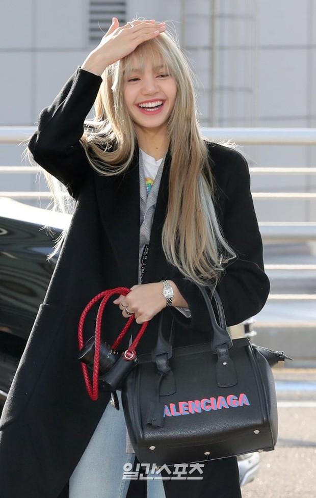 Dàn mỹ nhân đọ sắc thần thánh tại sân bay: Lisa xuất thần, Black Pink đẹp như đóng MV bên TWICE và chân dài đình đám - Ảnh 5.