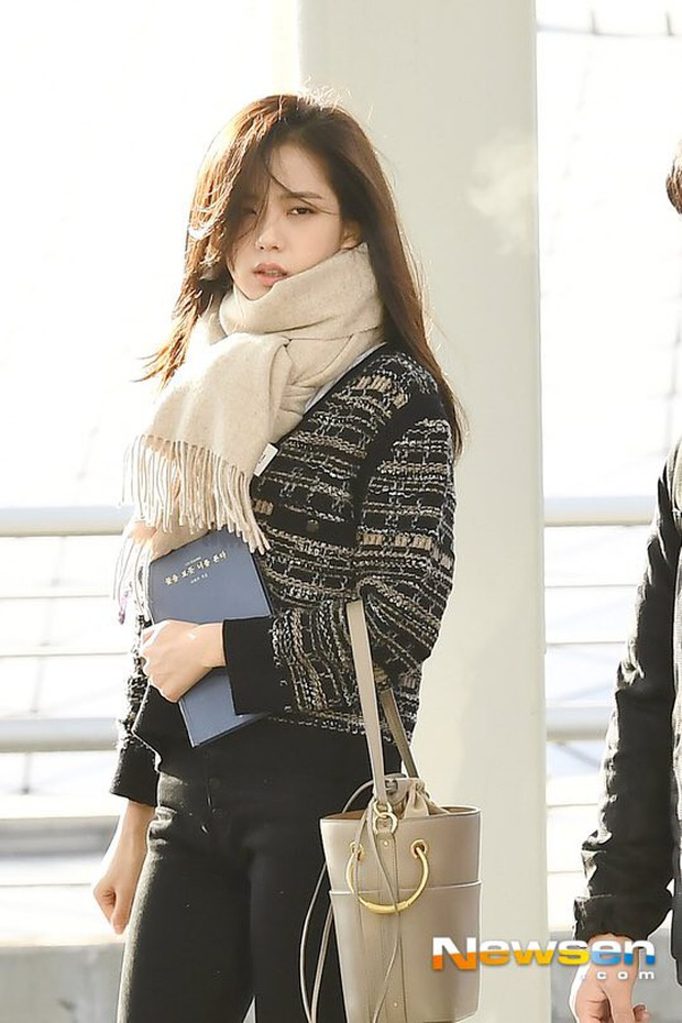 """Diện """"áo đôi"""" với Jennie theo 1 cách khác mà vẫn đẹp ngang ngửa, Jisoo quả xứng danh """"đỉnh cao Visual"""" - Ảnh 2."""