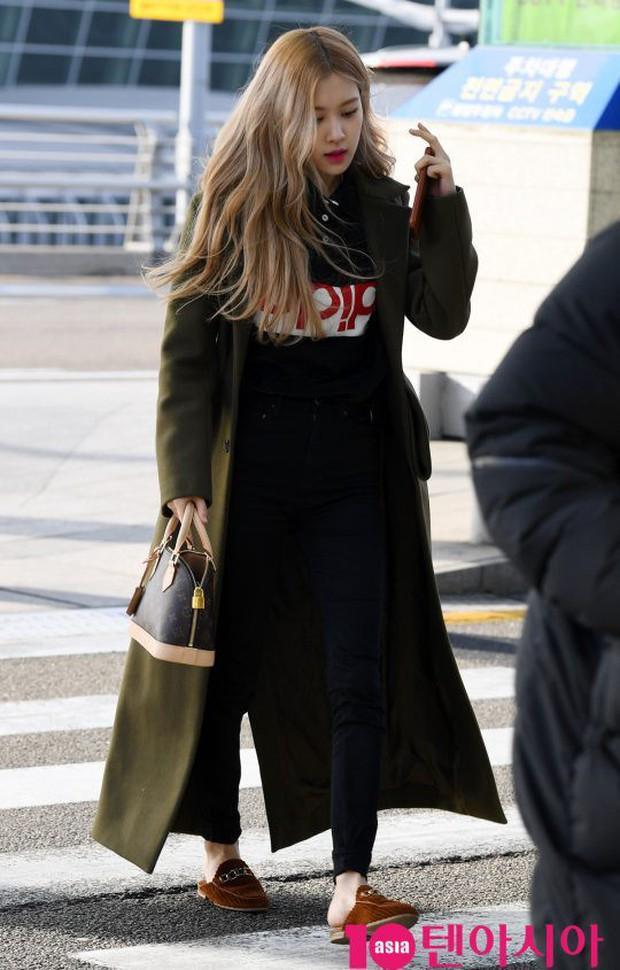 Dàn mỹ nhân đọ sắc thần thánh tại sân bay: Lisa xuất thần, Black Pink đẹp như đóng MV bên TWICE và chân dài đình đám - Ảnh 12.