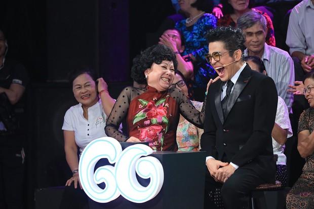 NSND Hồng Vân tổn thương khi được MC Lại Văn Sâm khen là... đẹp lão - Ảnh 2.
