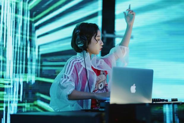 Trịnh Thảo: Từ nữ hoàng chửi bậy của Tháng Năm Rực Rỡ đến DJ cực gắt ở Hồn Papa Da Con Gái - Ảnh 6.