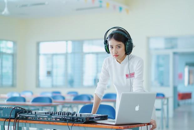 Trịnh Thảo: Từ nữ hoàng chửi bậy của Tháng Năm Rực Rỡ đến DJ cực gắt ở Hồn Papa Da Con Gái - Ảnh 4.