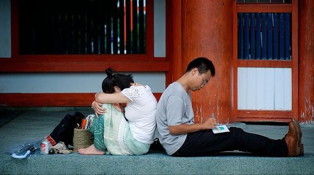 Bức tranh chân thực về phụ nữ Nhật Bản: Từ bé đã bị coi thường, đến khi lấy chồng cũng chẳng được đối xử đúng nghĩa như một người phụ nữ - Ảnh 3.