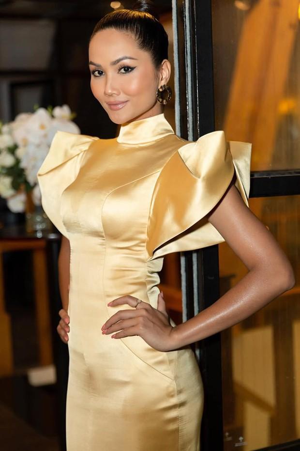 Bị đồn mâu thuẫn với công ty quản lý nên dừng đồng hành cùng Hoa hậu Hoàn vũ, HHen Niê nói gì? - Ảnh 1.