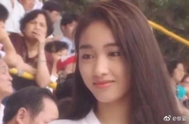Nhan sắc Lê Tư 18 tuổi trong veo thế này, bảo sao giữa showbiz Trương Bá Chi chỉ chịu nhún nhường một mình cô - Ảnh 1.