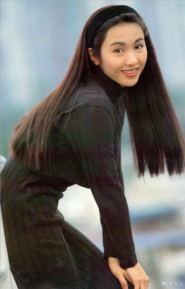 Nhan sắc Lê Tư 18 tuổi trong veo thế này, bảo sao giữa showbiz Trương Bá Chi chỉ chịu nhún nhường một mình cô - Ảnh 2.