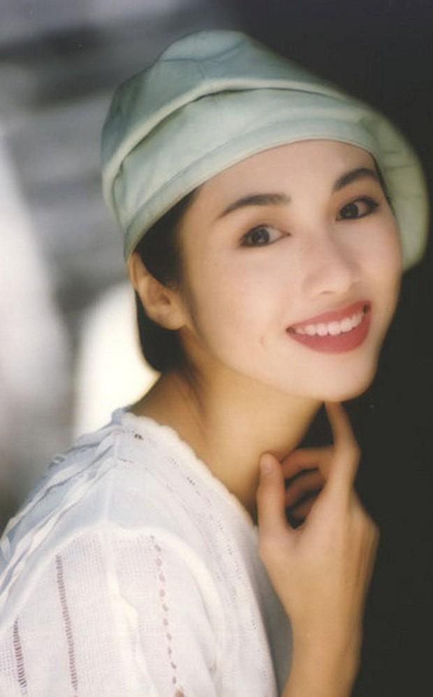 Nhan sắc Lê Tư 18 tuổi trong veo thế này, bảo sao giữa showbiz Trương Bá Chi chỉ chịu nhún nhường một mình cô - Ảnh 4.