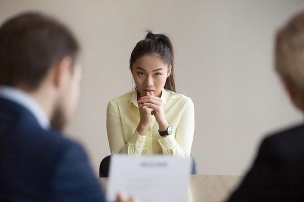 Khi nhà tuyển dụng vô duyên: Hỏi tên trường ứng viên cho đã rồi phán ngay câu trường em chắc hơi kém vì anh chưa nghe bao giờ! - Ảnh 1.