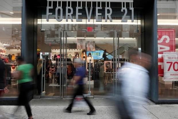 Vì sao hãng thời trang Forever 21 đệ đơn phá sản - Ảnh 1.