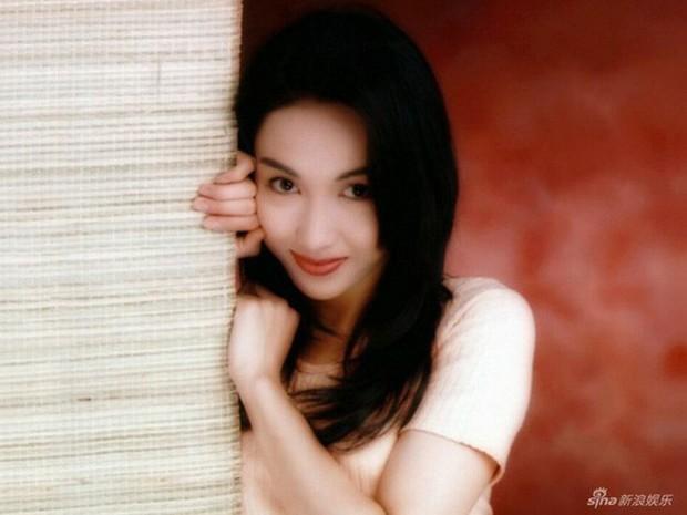 Nhan sắc Lê Tư 18 tuổi trong veo thế này, bảo sao giữa showbiz Trương Bá Chi chỉ chịu nhún nhường một mình cô - Ảnh 5.