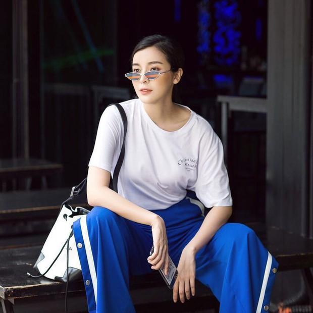 Style ngoài đời của mợ Hai (Tiếng Sét Trong Mưa): Tươi trẻ, sexy có cả nhưng ấn tượng nhất là những màn khoe chân siêu nuột - Ảnh 6.