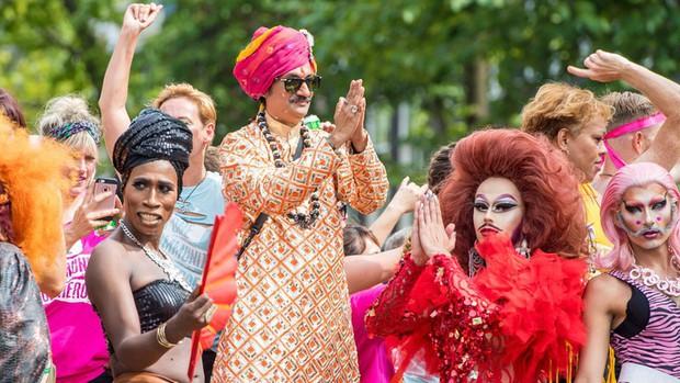 Hoàng tử đầu tiên trên thế giới công khai đồng tính: Từng là kẻ bị cả đất nước hắt hủi trước khi trở thành người hùng của cộng đồng LGBT - Ảnh 5.