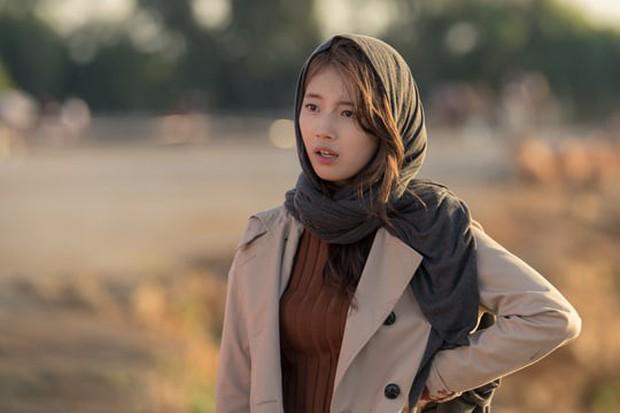 Suzy (Vagabond) đúng là kiểu điệp viên lạ lùng: Ai nói gì cũng tin, phản xạ thua cả anh diễn viên đóng thế? - Ảnh 4.