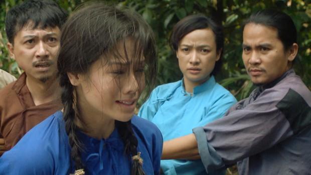 Tiếng Sét Trong Mưa và Hoa Hồng Trên Ngực Trái: Cuộc đụng độ giữa hai phim Việt hot nhất hiện nay! - Ảnh 17.