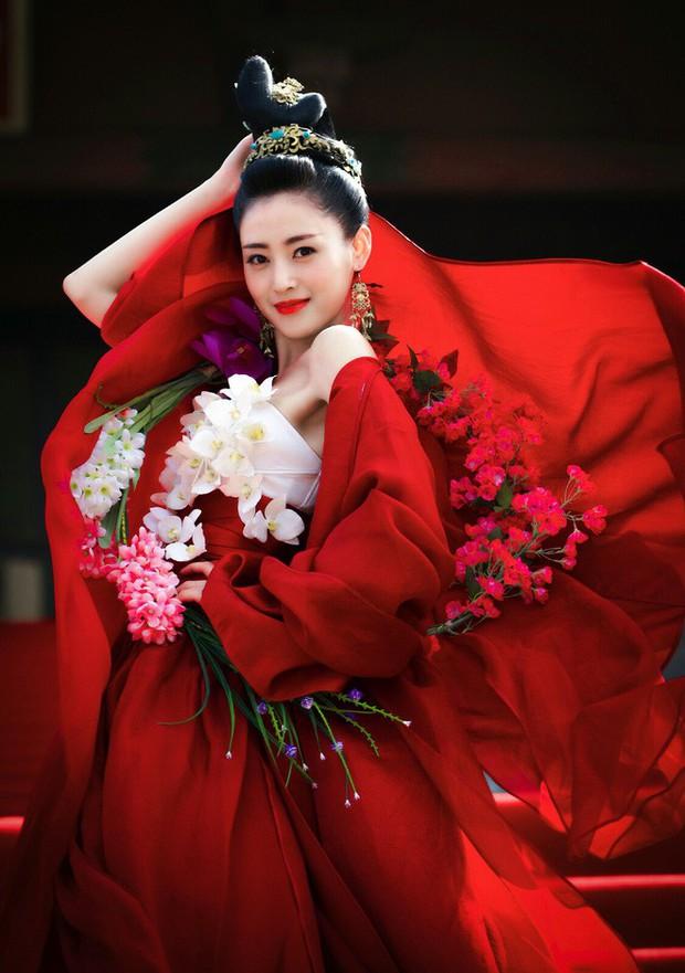 Cơ Trưởng Trung Quốc - Nơi tình yêu bách hợp của Lý Thấm và Trương Thiên Ái bắt đầu! - Ảnh 25.