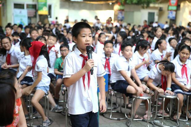 Hơn 9.000 học sinh Hà Nội bắt đầu thói quen phân loại rác tại nguồn - Ảnh 4.