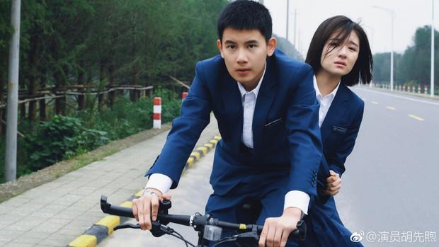 5 chàng diễn viên thế hệ 2000 của Cbiz: Dịch Dương Thiên Tỉ đẹp nức nở, Trần Phi Vũ chuẩn thái tử Cbiz - Ảnh 28.
