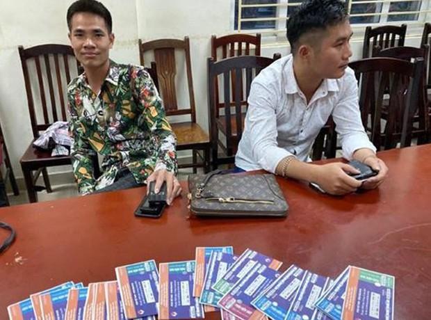 Bắt giữ 6 đối tượng cò vé chuyên nghiệp, có nguồn vé từ Ban tổ chức trận Việt Nam vs Malaysia - Ảnh 3.