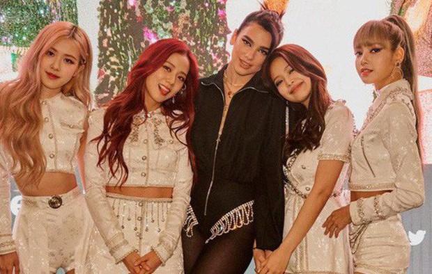 Ai ngờ mỹ nhân BLACKPINK này chuyên thu thập các chị gái Hollywood: Quen từ Selena đến Ariana, đánh lẻ với cả Halsey - Ảnh 6.