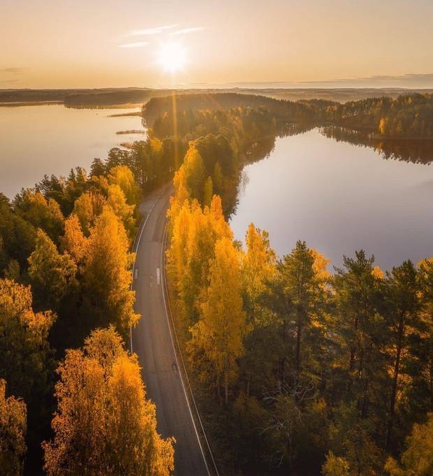 """Con đường """"không biết là thực hay là mơ"""" ở Phần Lan đang khiến cả thế giới lùng sục, lý do nằm ở loạt ảnh chụp bằng flycam này - Ảnh 7."""