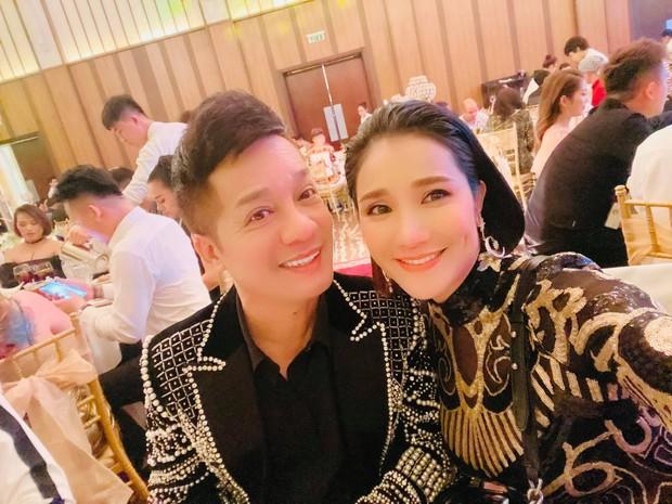 Tiệc thôi nôi con trai Lâm Khánh Chi: Cực hoành tráng, MC Cát Tường, Lê Giang cùng dàn sao Việt đến dự - Ảnh 2.