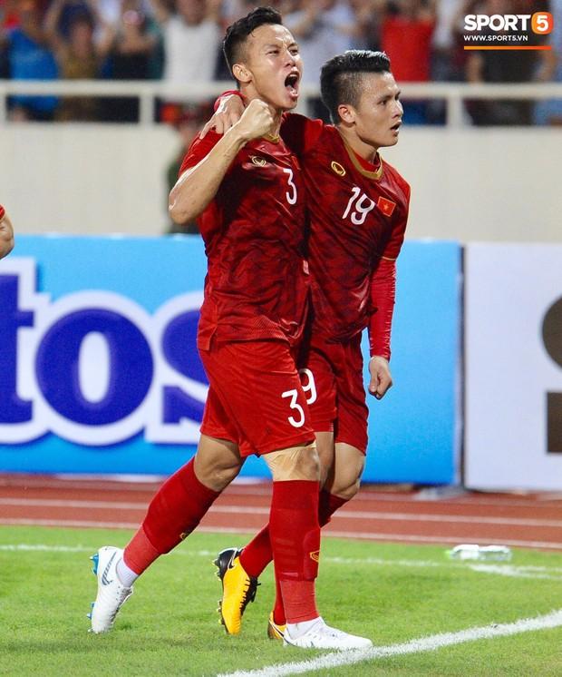 Siêu phẩm của Quang Hải khiến fan bóng đá liên tưởng đến bàn thắng mang về cúp vàng World Cup 2014 cho tuyển Đức - Ảnh 1.