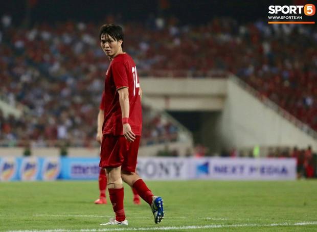 Tuấn Anh chấn thương, HLV Park Hang-seo lo lắng trước giờ lên đường sang Indonesia - Ảnh 1.