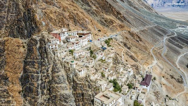"""Đã mắt với bộ ảnh du lịch Ladakh - """"Tiểu Tây Tạng"""" của Ấn Độ, nơi không dành cho những kẻ yếu tim và sợ độ cao - Ảnh 14."""